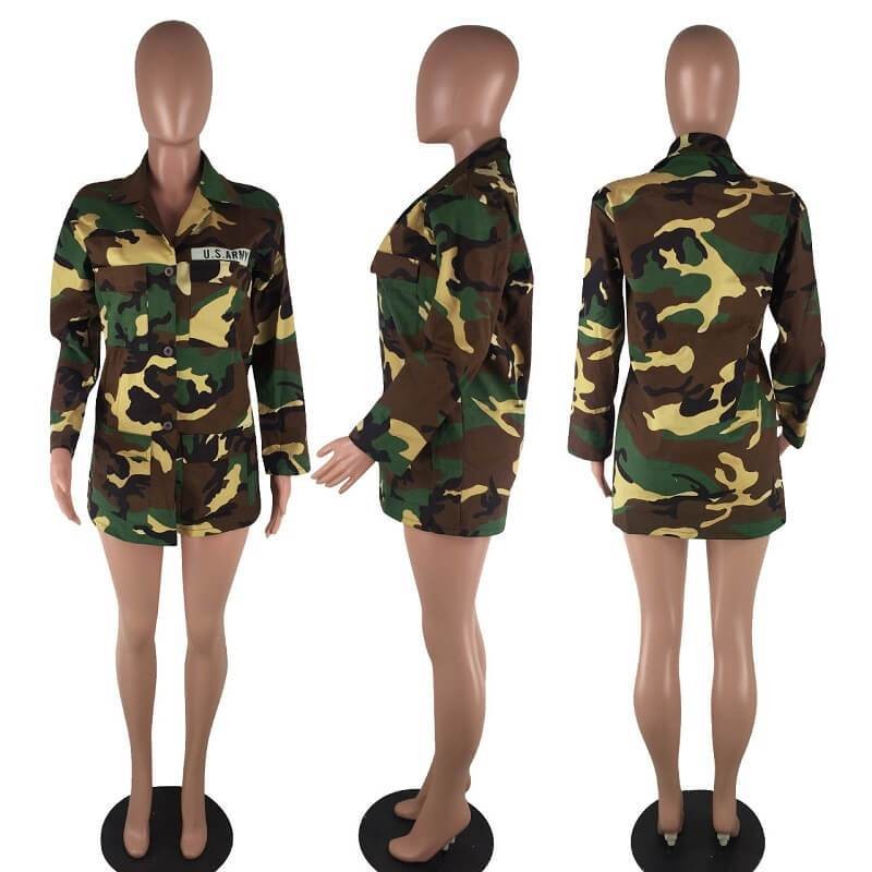 camouflage-jacket - camouflage model picture