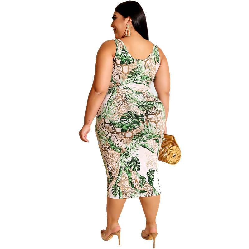 Plus Size Printed Square Two Piece Set - green back