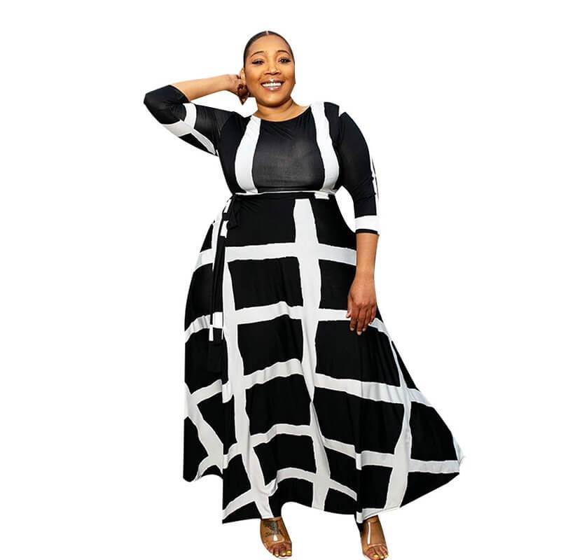 Plus Size Swing Dress - black color