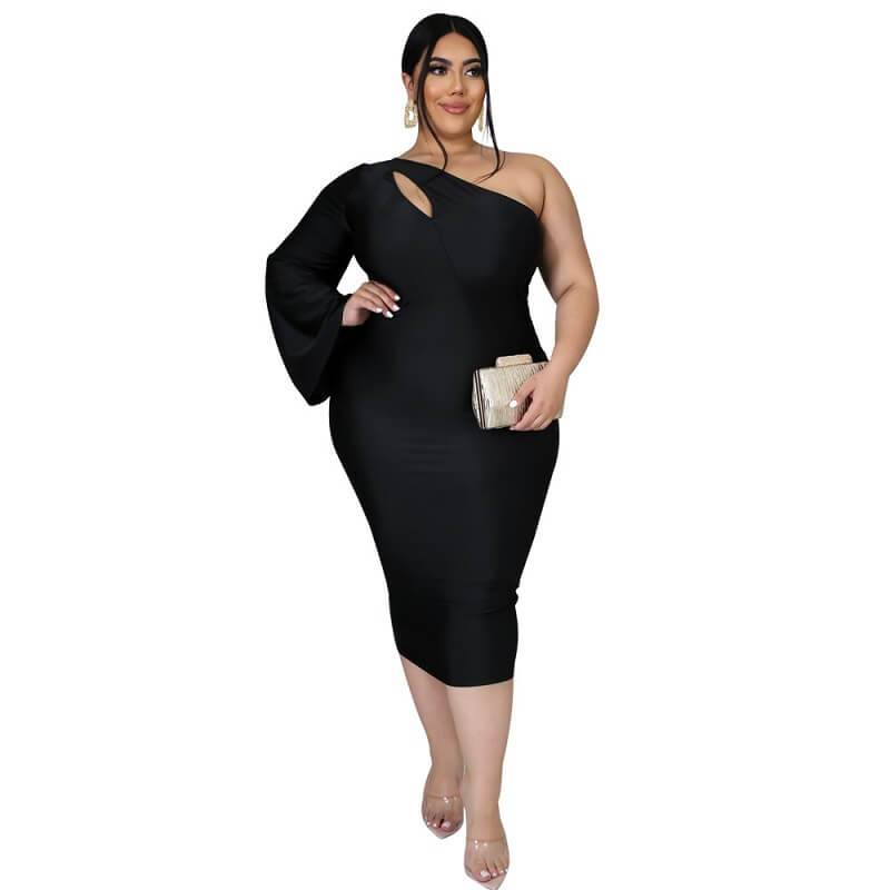 Plus Size Dresses To Wear With Sleeves - black color