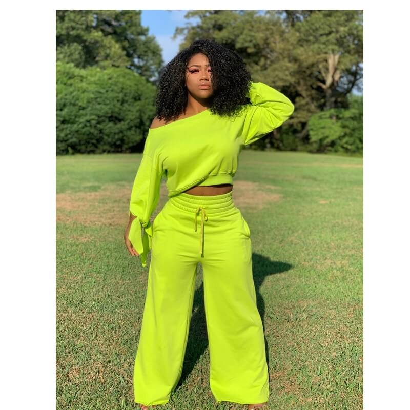 Plus Size Round Neck Two-piece - green color
